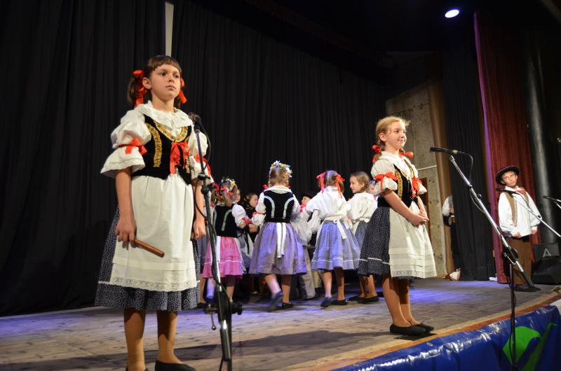 Folklórní tance 2013