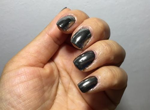 mirror mirror on the nail1