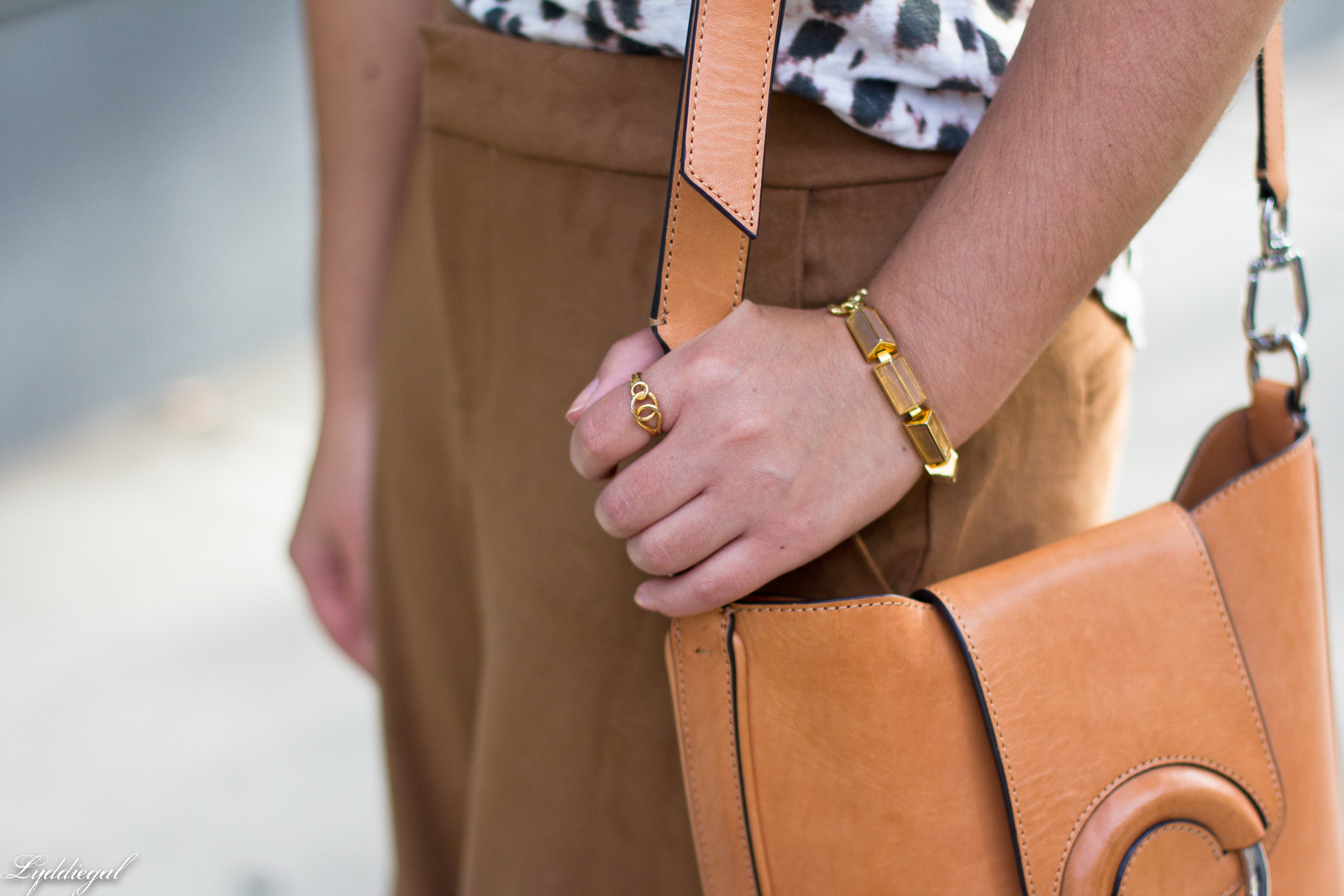 Leopard tee, camel culottes, scalloped mules