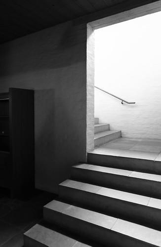 IMG_7935bw Roosenberg abbey by Dom Hans van der Laan