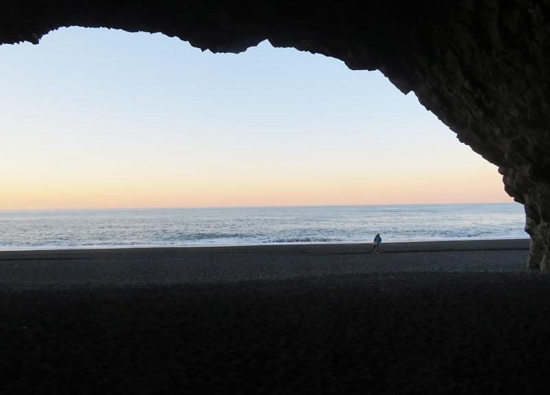 reynisfjara-cave