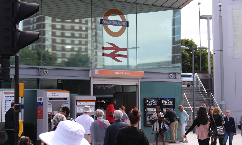 London Overground: Shepherd's Bush station
