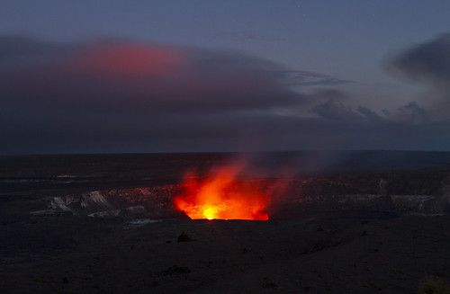 hawaii big island volcanic volcano twilight sunrise amazing bigisland lava heat pacific adventure paradise tropical ocean crater tropics tropicalparadise idyllic nature hiking morning travel usa canon 2017 beautiful rugged beach cliff volcanoesnationalpark nationalparks nps