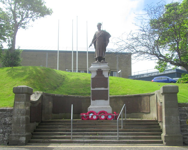 Wick War Memorial Closer View