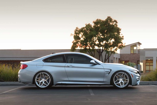 "F82 M4 - Machined Silver 20"" M650"