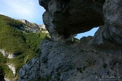 Balza Forata e grotta del Nerone (Monte Nerone - Appennino pesarese)