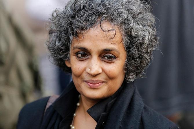 A szerző: Arundhati Roy