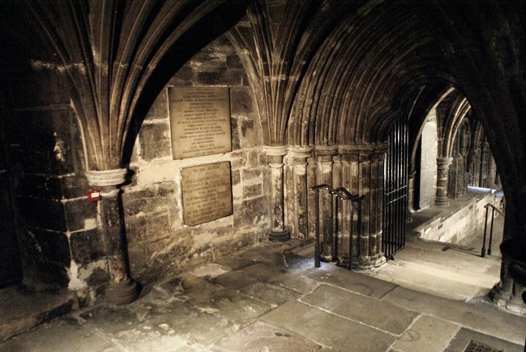 Vers la crypte de la cathédrale de Glasgow.