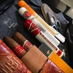 I feel like I have packed all things essential #weekendtrip #cubancigars #weekendcigar #weekends #weekendaway  #cubancigar #cigar #cigars 