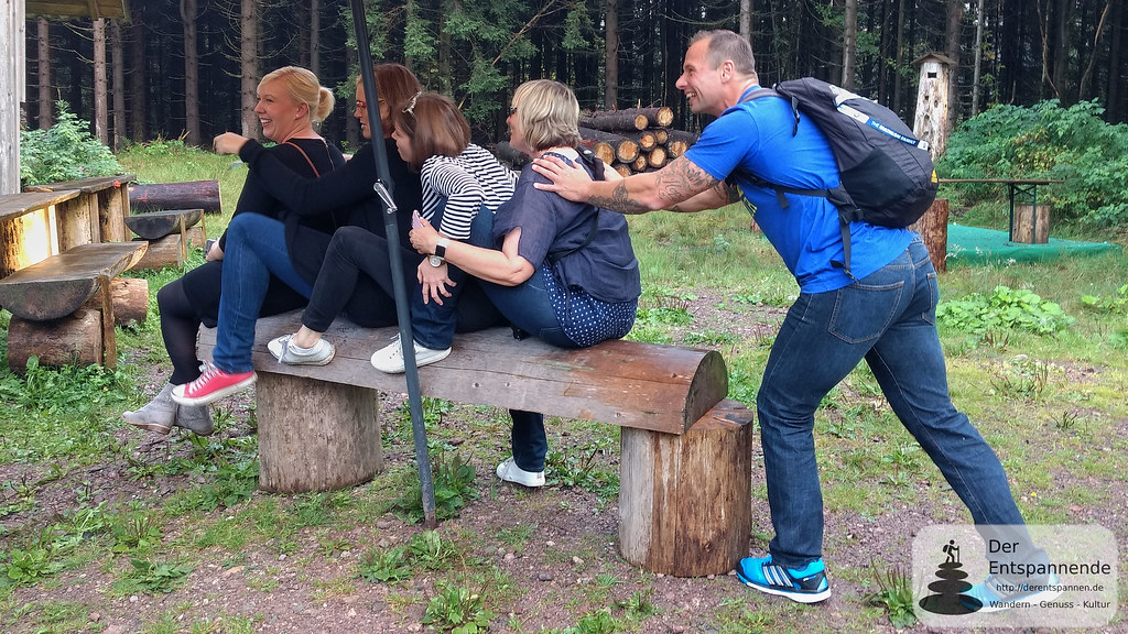 Planwagenfahrt: Alexander Rödiger macht den Anschieber beim 4er