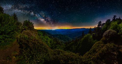 milkyway stars astronomy nature night nightsky nightscape nationalpark greatsmokymountains gsmnp appalachiantrail trailmagic hiking backpacking