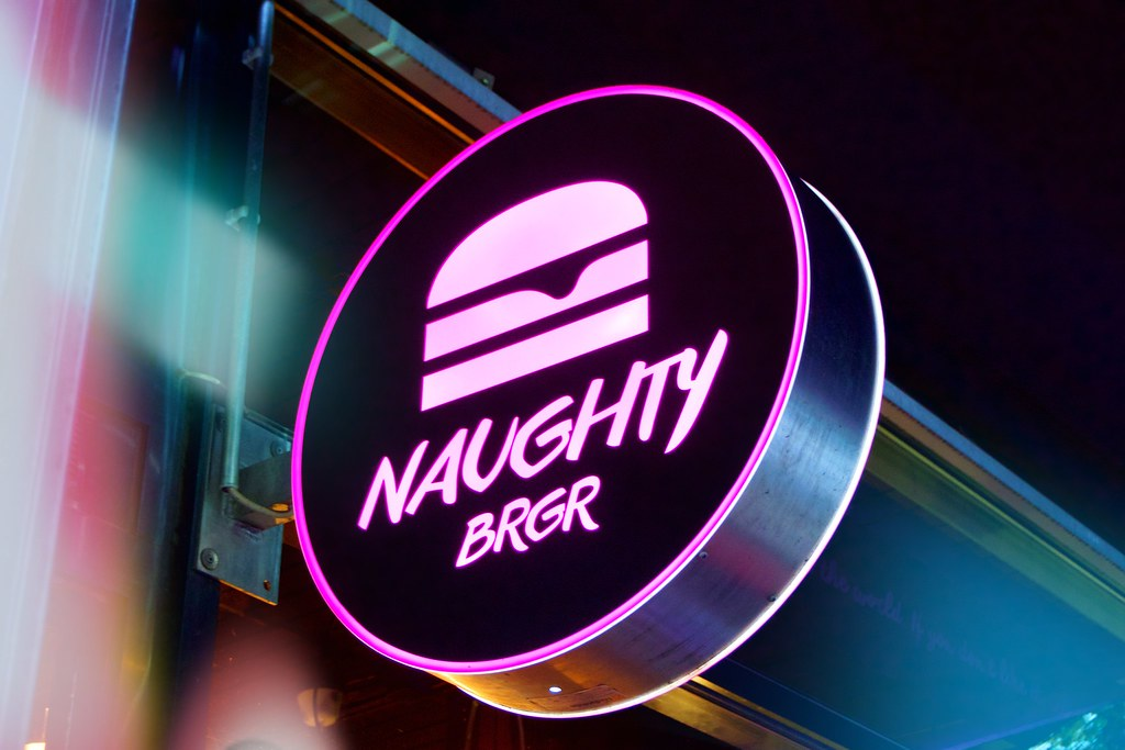 naughty_brgr_9