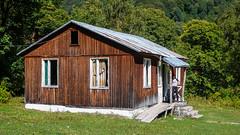 Postsowiecka baza alpinistyczna Zeskho (1800m).  Tu mieszkalismy - Monika.