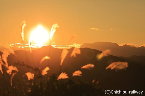 【宝登山ロープーウェイ】宝登山山頂からの夕日
