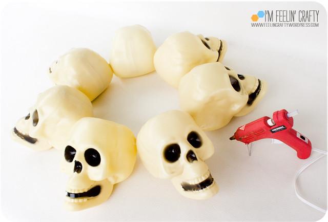HalloweenCenterpiece-Glue-ImFeelinCrafty