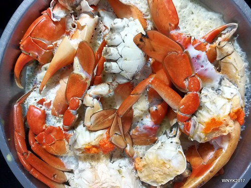 Steamed Mud Crabs