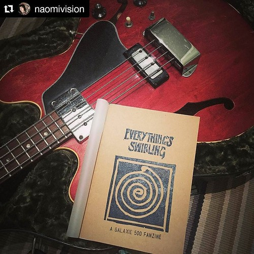 I had a blast putting the 30th birthday Galaxie 500 fanzine together. The best bit was when @naomivision posted this pic of it with 'that bass'. Thanks so much Naomi!! #galaxie500 #everythingsswirling #fanzine #thatbass