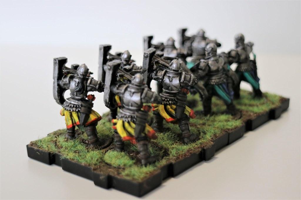 Runewars Miniatres Daqan Crossbows Back