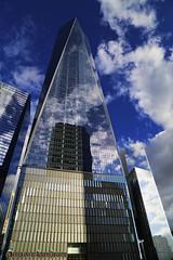 REFLEJO DE LAS NUBES. REFLECTION OF THE CLOUDS. NEW YORK CITY.