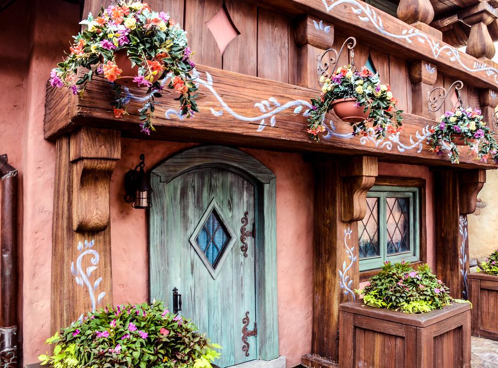 Flower pots wall MK