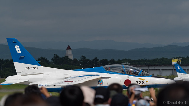 JASDF Chitose AB Airshow 2017 (118) Blue Impluse No.6 moving to another runaway