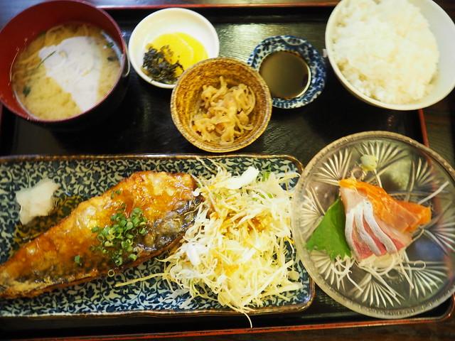 P8144501 福岡市長浜鮮魚市場 一魚一栄