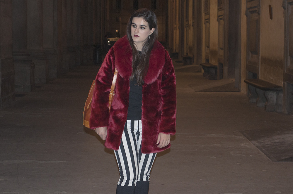 something fashion blogger influencer streetstyle spain firenze italianbloggers galeria degli uffizi fur coat lightinthebox collaboration halloween_0267
