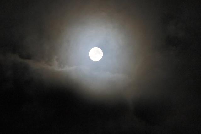 La luna, Canon EOS M5, Canon EF-M18-150mm f/3.5-6.3 IS STM