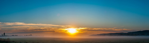 sunrise contrail