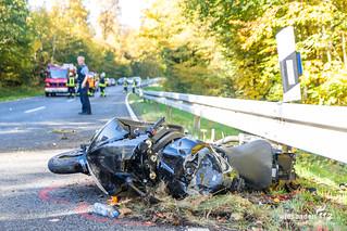 Schwerer Motorradunfall B8 Waldems-Esch 15.10.17