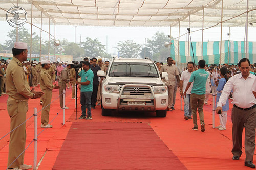 Arrival of Her Holiness in Satsang Pandal