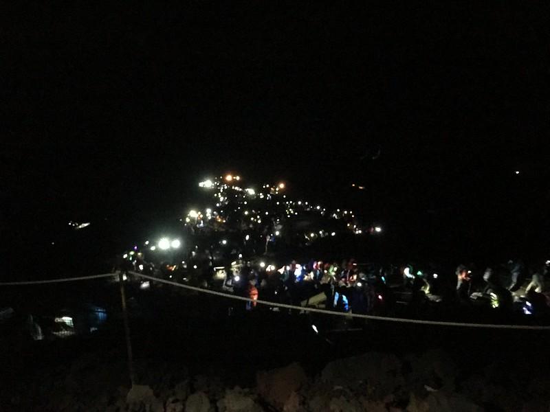 夜登富士山