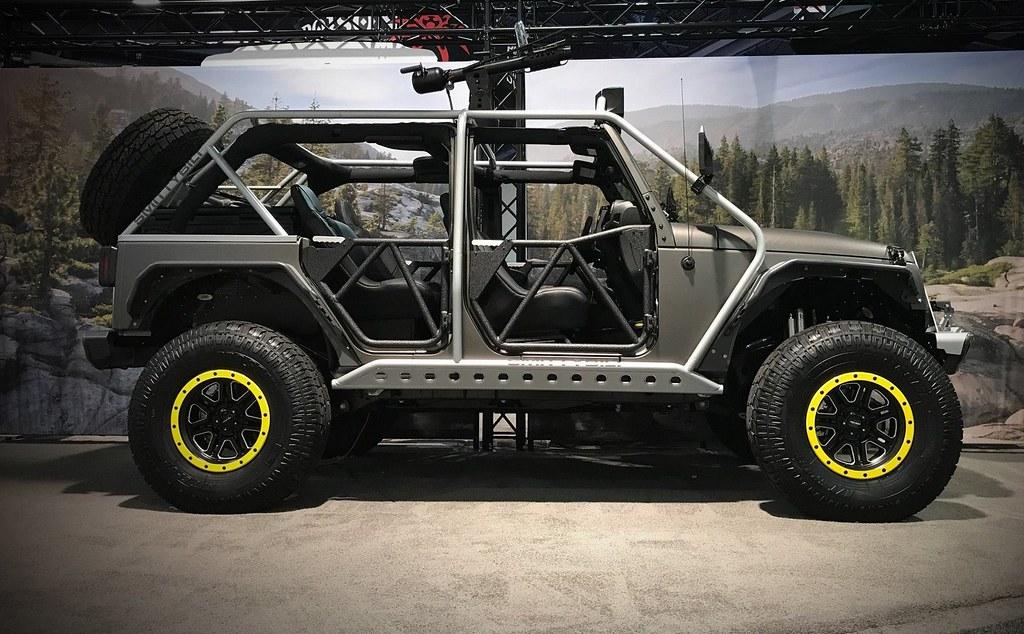 Alpine-Jeep-Wrangler-4