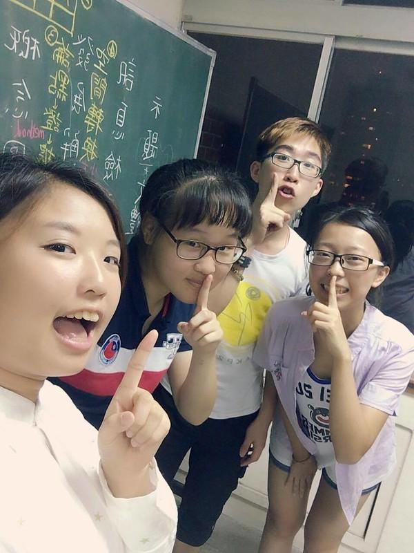訪問學生-教甄小組2(右2為戴志恩)