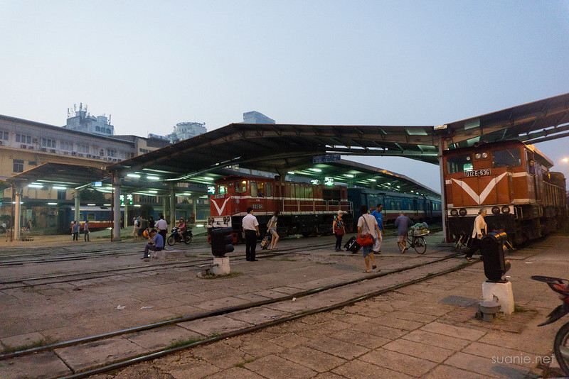 Hanoi Sapa train - station at dawn