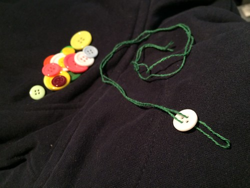 Making a Christmas tree ornament with buttons and embroidery thread at EvinOK.com