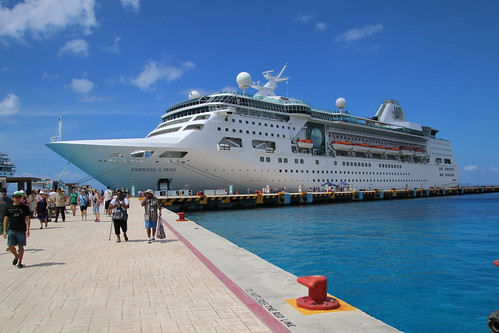 Empress of the Seas - In Port at Cozumel (October 14, 2017)