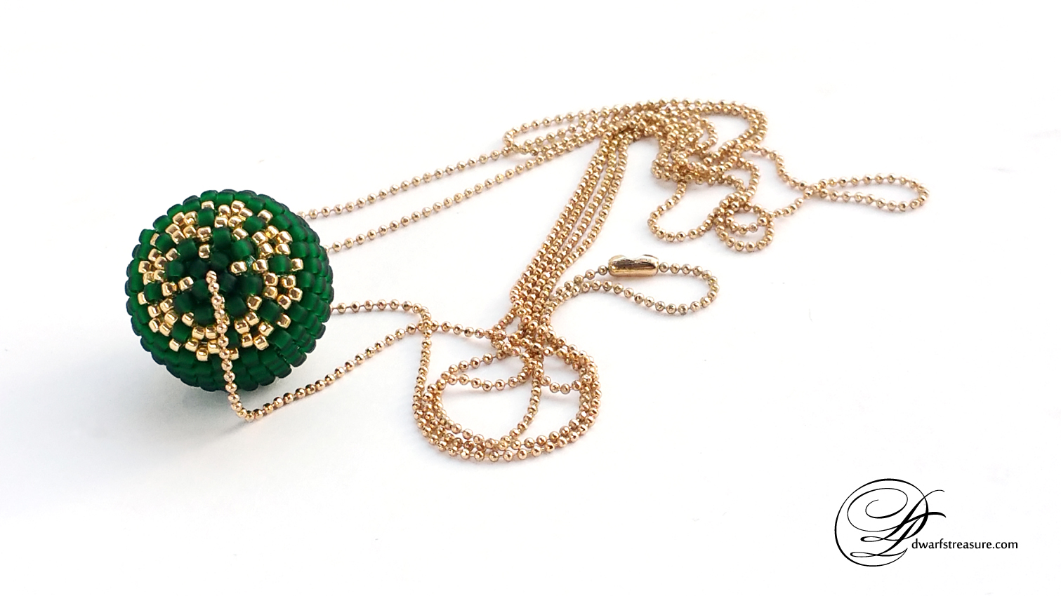 Fashionable emerald beaded custom made ball pendant