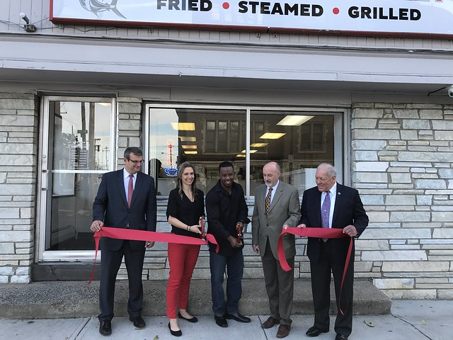 10-23-17 Empire Fish Market Ribbon Cutting