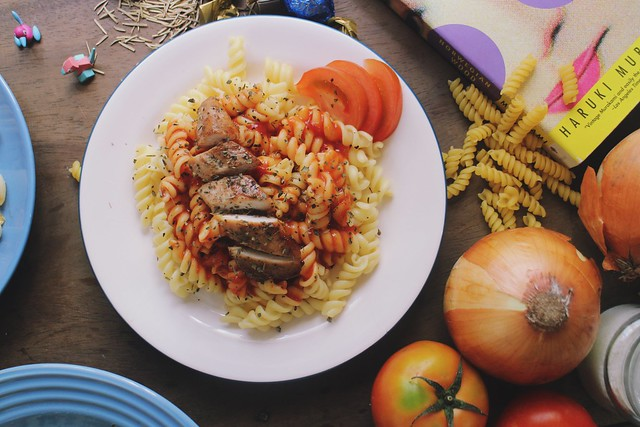 Red Sauce Chicken Basil Pasta Fusili Duane Bacon Blogger Lifestyle Health DIY Independent