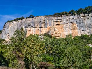 Felswände über dem Tal der Aigue Brun
