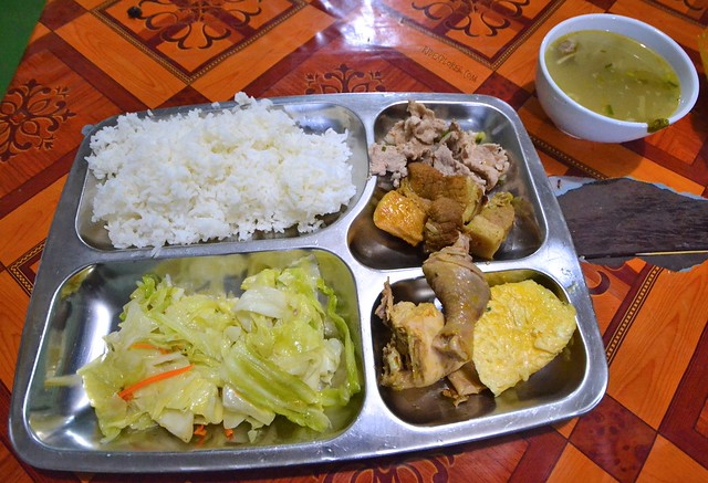 border crossing laos vietnam bus stop meal