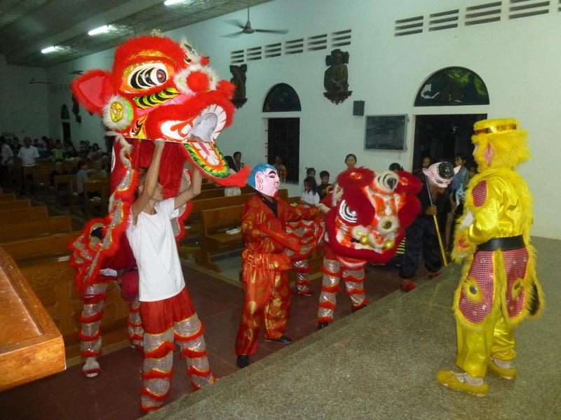 Giáo xứ Hoa Châu vui trung thu