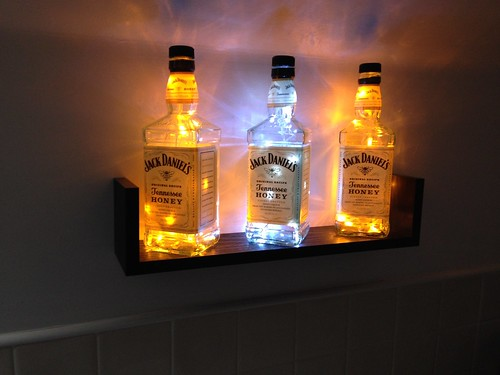 Lámparas hechas con Botellas de Whisky