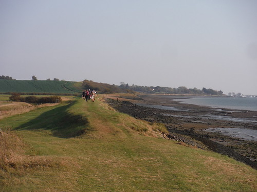 Along Seawall towards The Cliff