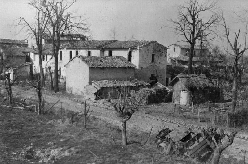 Autoblinda-Lince-imola-19450415-bpz-1