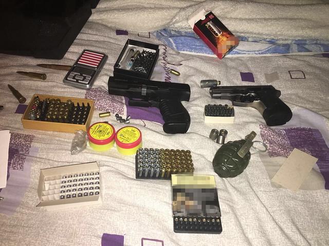 В Одесі СБУ ліквідувала мережу збуту контрабандної зброї_4