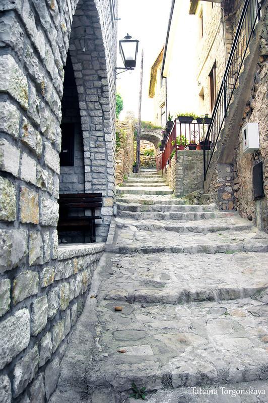 Улица, ведущая  в верхнюю часть Старого Улциня