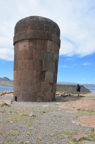 Die fünf Meter hohe Grabröhre von Sillustani