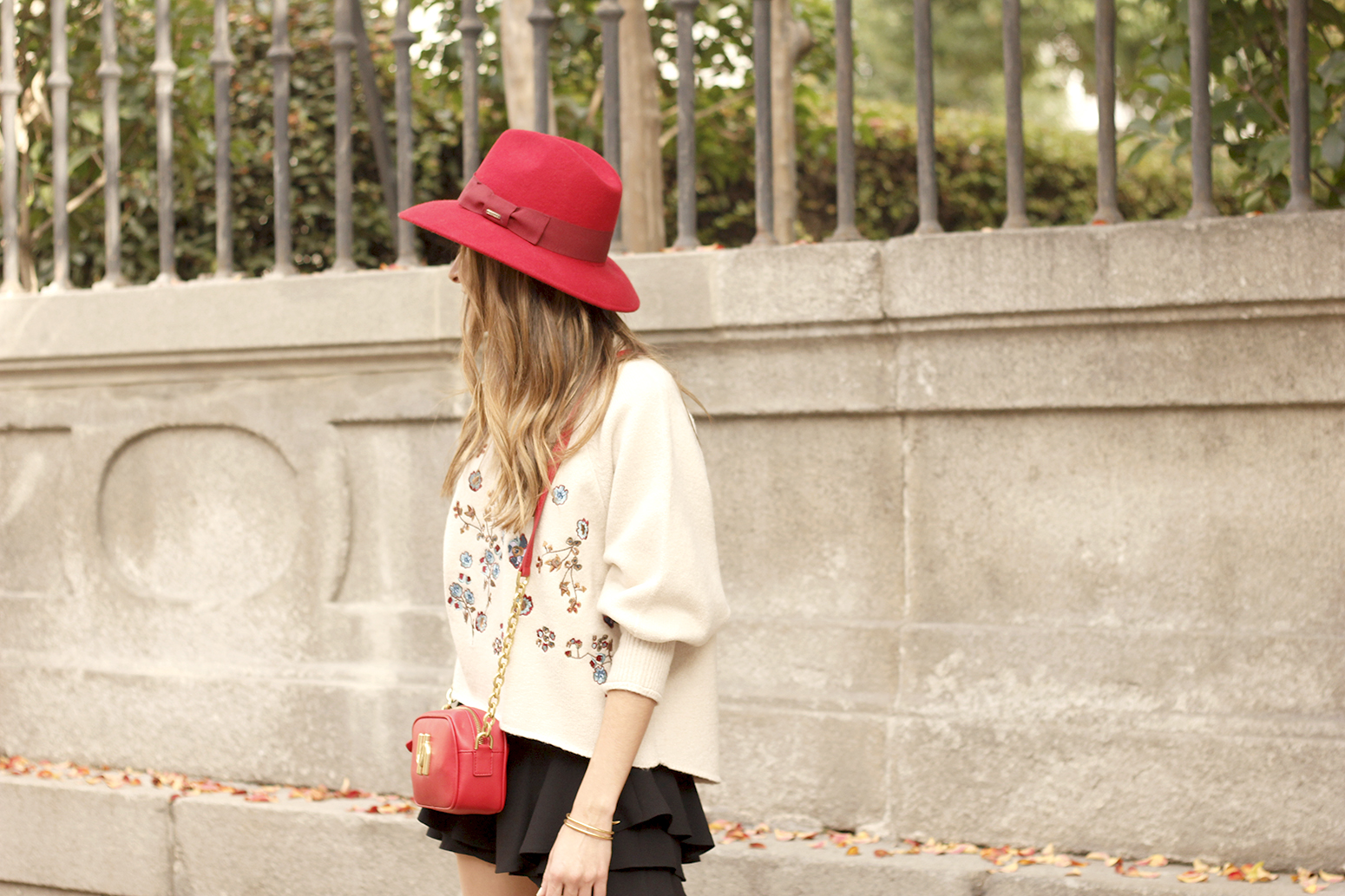 beige jersey with embroidered flowers over the knee black boots red hat street style fashion inspiration outfit13